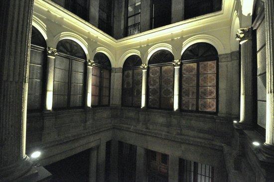 Guesthouse Barcelona Gotic: MAIN COURTYARD