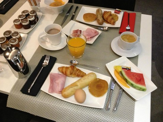 Grand Hotel Grenoble Centre : Some of the breakfast :)