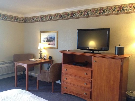 Hampton Inn Ukiah: room
