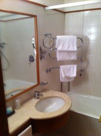 Hotel Cavour : Bad