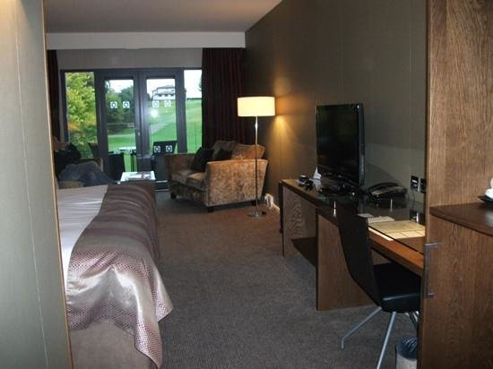 Kingsmills Hotel: large bedroom