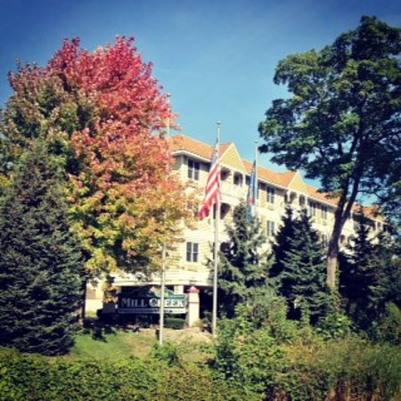 Mill Creek Hotel: Autumn in Lake Geneva
