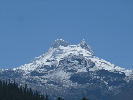 Morales Guesthouse: vista dalla terrazza sulla Cordillera