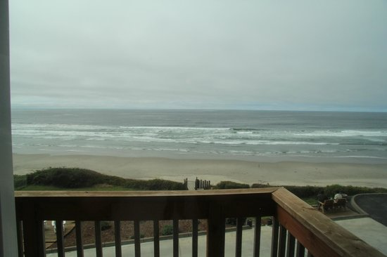 Inn at Nye Beach : room view of the Pacific