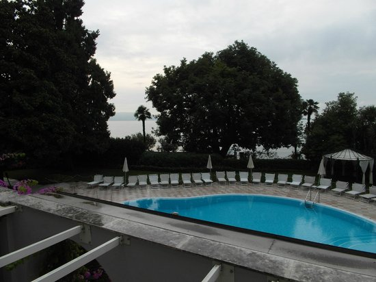 Hotel Savoy Palace: The pool from our room