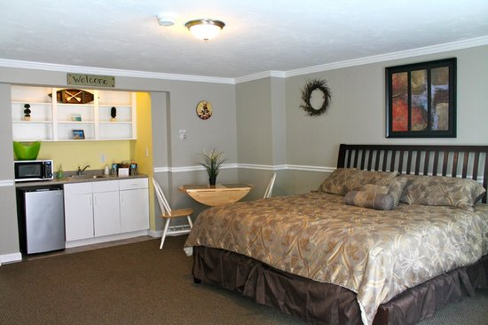 Nantasket Hotel at the Beach: 1 King bed Guest Room