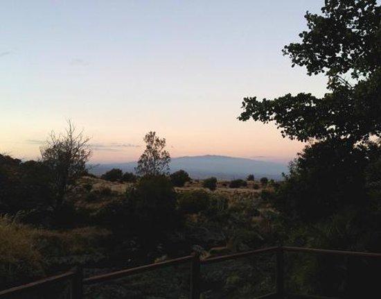 Aaah the Views Inn: Mauna Loa at dawn