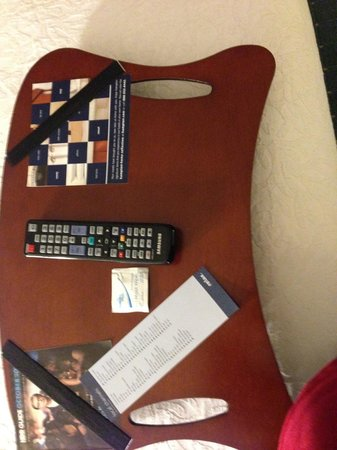 Hampton Inn & Suites Columbus Polaris : Lap desk