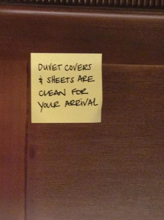 Hampton Inn & Suites Columbus Polaris: No question about cleanliness of duvet cover