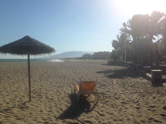 Vera Playa Club Hotel : Endloser FKK-Sandstrand