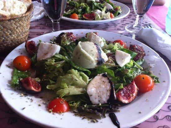 Mabel The Granja: Ensalada de higos con queso fresco y granizado de albahaca