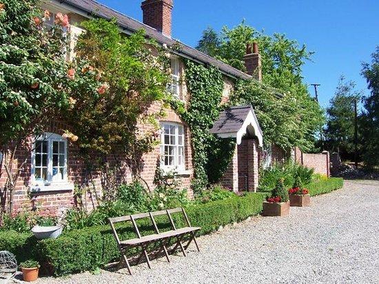 Glan Clwyd Isa : Main House