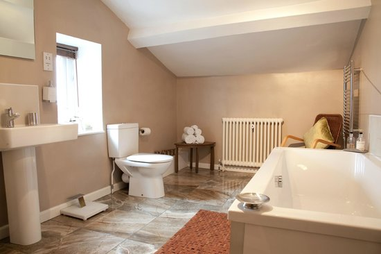 Willow Cottage B&B: Twin room bathroom and shower
