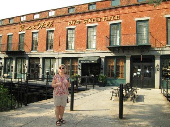 River Street Inn : Street side of the Inn