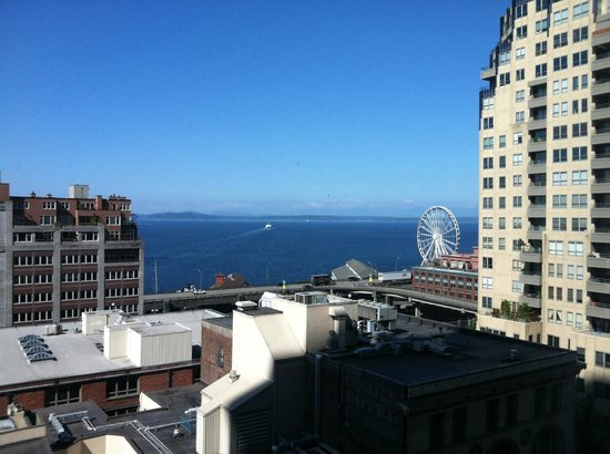 Loews Hotel 1000, Seattle: View from our room