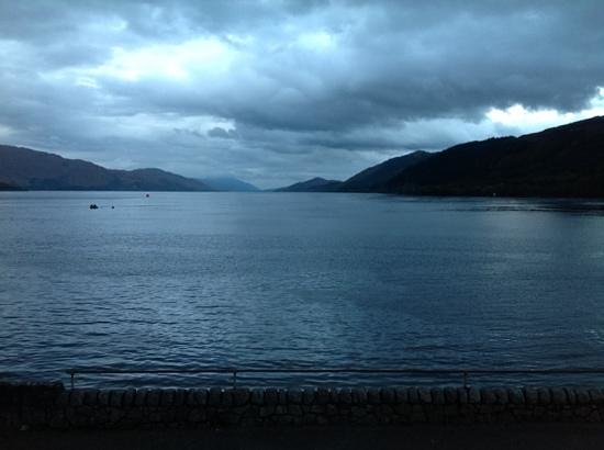 Inn at Ardgour: Right outside the hotel looking down Loch Linnie to Fort William