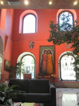 Hotel San Juan de los Reyes: The lobby