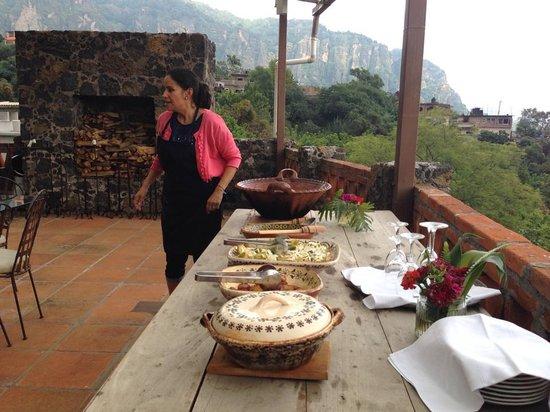 La Villa Bonita Culinary Vacation: Food getting ready after a hard day preparing and drinking beer