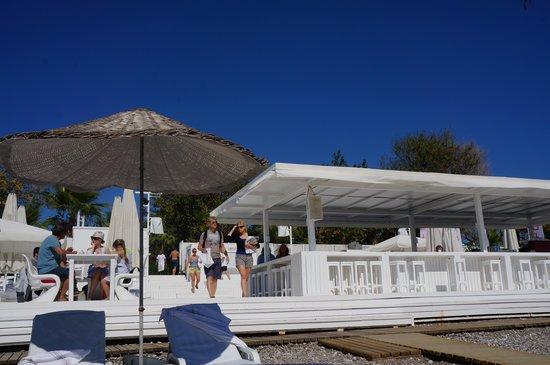 Hotel Su: The Beach Bar