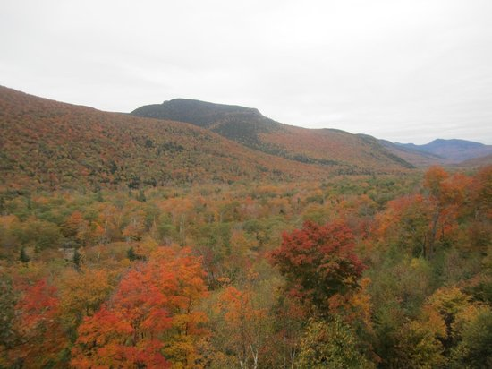 Conway Scenic Railroad: View over the valley