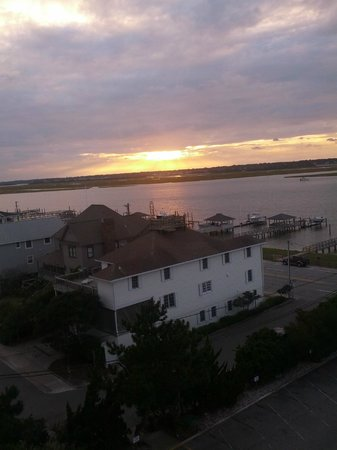 Blockade Runner Beach Resort: Beautiful sunset