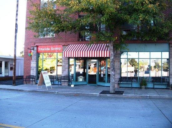 Inside Scoop Creamery: Store front
