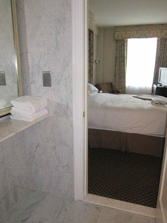 Eliot Hotel: Vanity Area