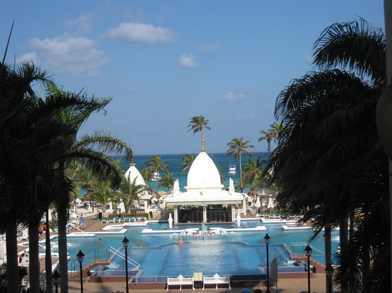 Hotel Riu Palace Aruba: view from Barry's bar