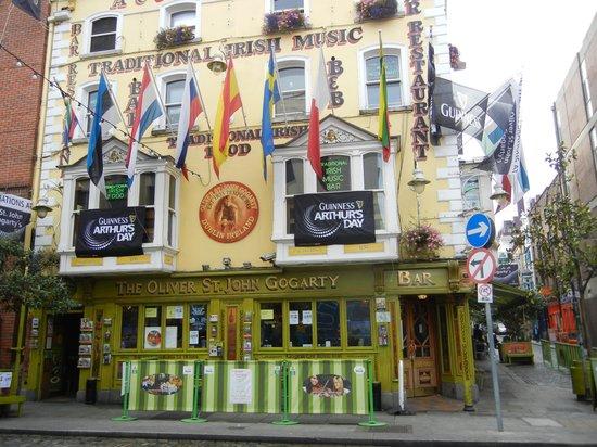 Traditional Irish Musical Pub Crawl : Pub where the crawl starts