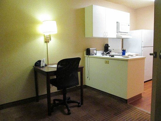 Extended Stay America - New Orleans - Airport: clean kitchen area