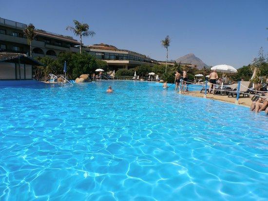 Fiesta Hotel Athènee Palace: piscine de l hotel