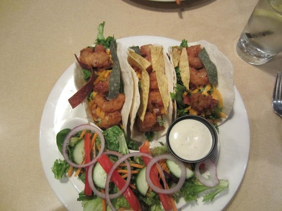 Boston Pizza: Shrimp tacos with small side salad