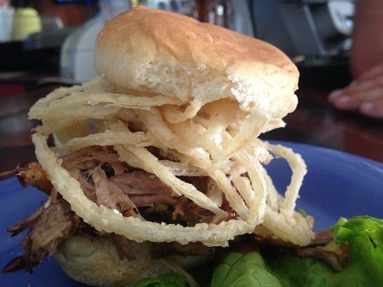 Smugglers Cove Resort and Marina: BBQ Pork Sliders!! YUM!