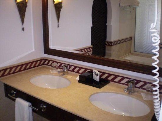 Sofitel Agadir Royal Bay Resort: Nice sink, shame about the stopper