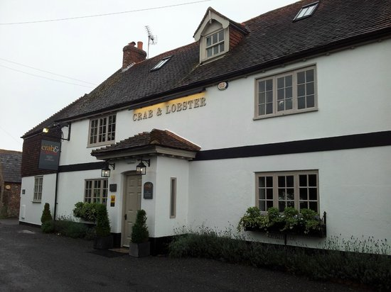The Crab & Lobster: Crab Cottage at the left hand end of the pub