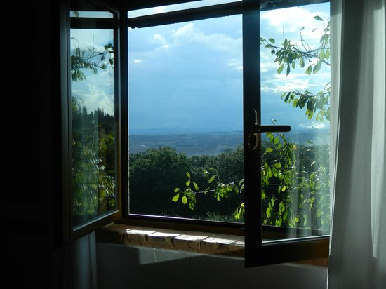 Agriturismo Poggio Bonelli : breathtaking view outside of the bedroom window.