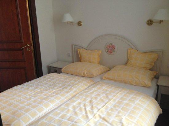 Hotel Chez Jean : The bedroom