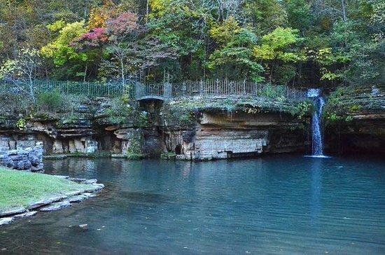 Dogwood Canyon Nature Park: Fall