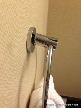 Tucson Marriott University Park: towel ring about to fall off the wall