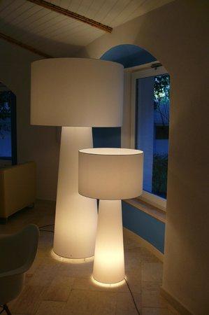Tirreno Resort: Lounge im Empfangsgebäude