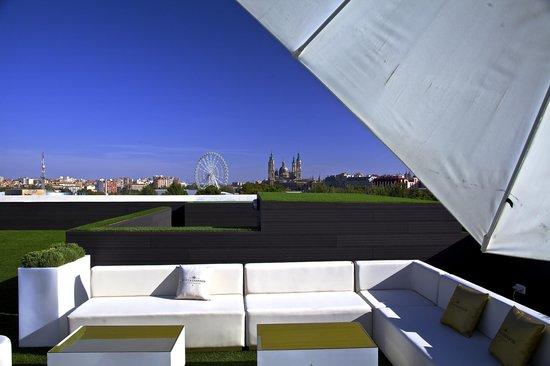 Terraza Exterior Picture Of River Hall Zaragoza Tripadvisor