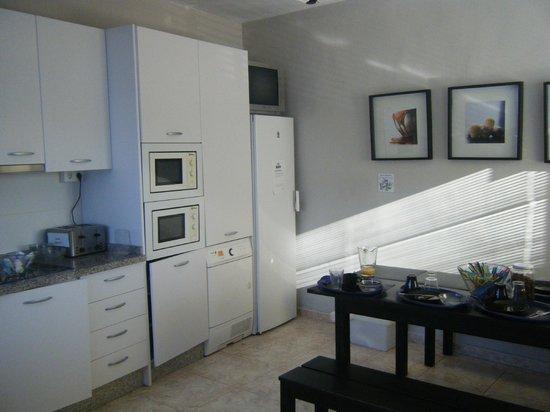 Malaga Hostel: kitchen