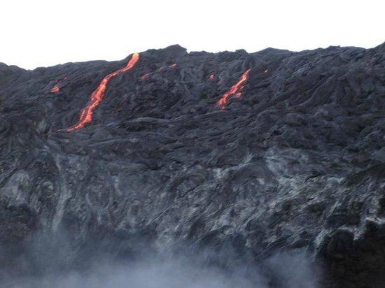 Lava Ocean Tours, Inc : Flowing down the Pali