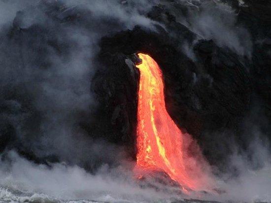 Lava Ocean Tours, Inc : Lava flow
