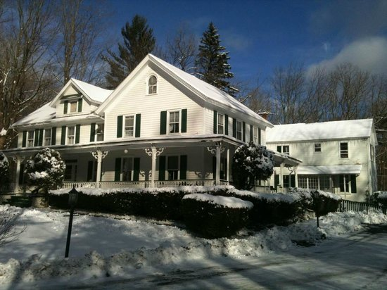 Four Corners Country Inn: Winter Wonderland