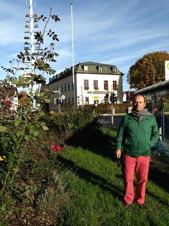 Hotel Grunwald Garni: Frente al hotel Grunwald