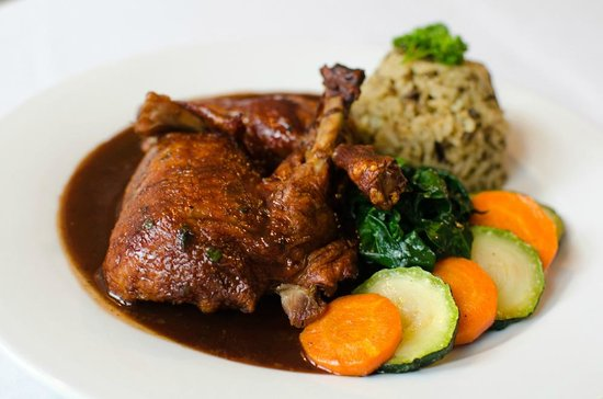 Four Corners Country Inn : Roasted Duck - Port wine & berry sauce