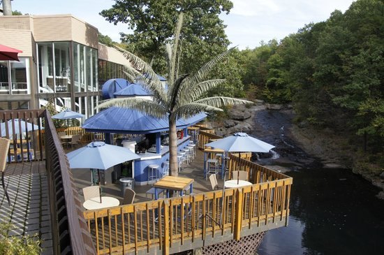 The Woodlands Resort, An Ascend Collection Hotel: outdoor eating area