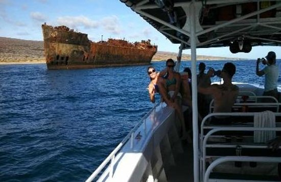 Kaanapali Ocean Adventures: Up close to 1940's oil tanker aground on Lanai's north shore, weather permitting