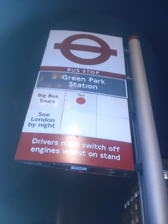 See London By Night: London Bus Stop